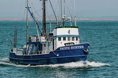 Photograph - F/v Pacific Huner by Lost River Photography