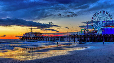 Photograph - Fading To The Blue Hour - Ferris Wheel by Gene Parks