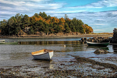 Photograph - Fall Colors By The Seashore by Jeff Folger
