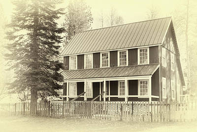 Photograph - Farm House by James Eddy