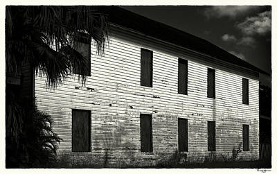 Photograph - Farmhouse by Rudy Umans