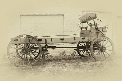 Photograph - Farmhouse Wagon by James Eddy