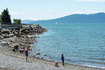 Photograph - Finding Rocks At Marine Park by Tom Cochran
