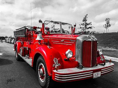 Photograph - Fire Engine by Chris Montcalmo