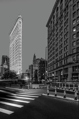 Photograph - Flatiron Building 5th Ave Nyc Bw by Susan Candelario