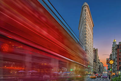 Photograph - Flatiron Building Fifth Ave Nyc by Susan Candelario