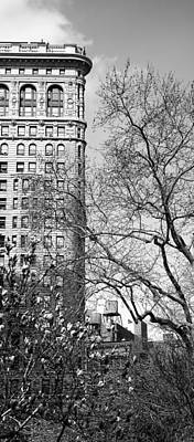 Photograph - Flatiron Building New York 12 by Andrew Fare