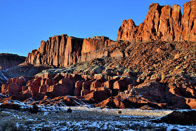 Photograph - Fluted Wall Sunset In Capitol Reef by Ray Mathis