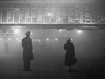 Fog At Liverpool Street Art Print by Edward Miller