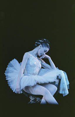 Photograph - Fonteyn As Raymonda by Erich Auerbach
