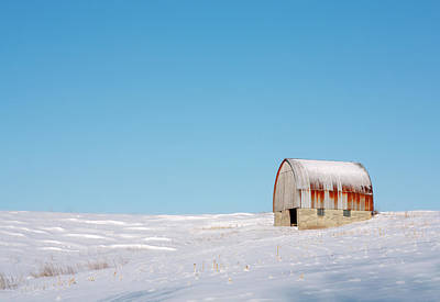 Photograph - Forgotten Barn by Todd Klassy