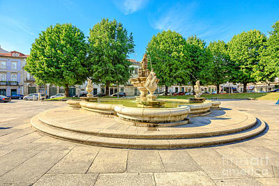 Photograph - Fountain In Town Hall Square by Benny Marty