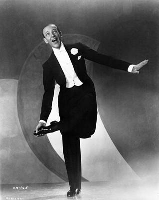 Photograph - Fred Astaire by Mpi