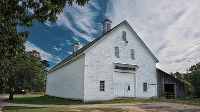 Photograph - Freeport Barn by Guy Whiteley