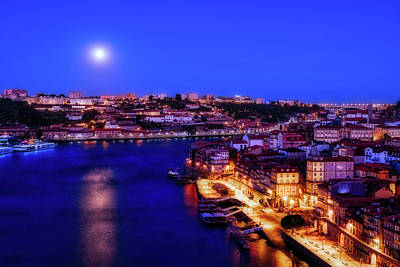 Photograph - Full Moon At Dawn - Porto - Portugal by Stuart Litoff