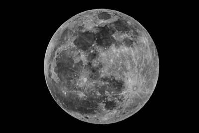 Beers On Tap - Full Moon by Bob Decker