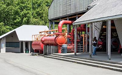 Photograph - Gas Works Park Pump House by Tom Cochran