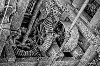 Photograph - Gears Turning by Wesley Nesbitt