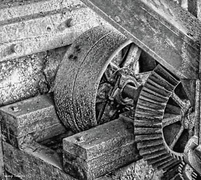 Photograph - Gears by Wesley Nesbitt