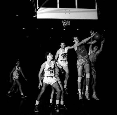 Photograph - George Mikan Of The Lakers by Robert Natkin