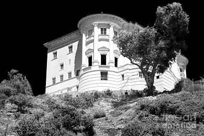 Photograph - Getty Mansion In Malibu by John Rizzuto