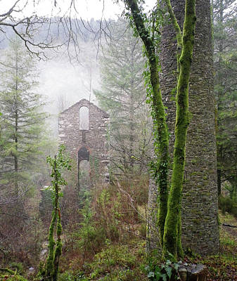 Photograph - Ghostly Ruins Clitters Mine Gunnislake Cornwall by Richard Brookes