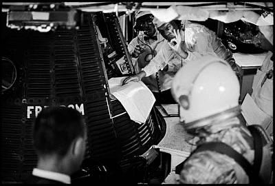 Photograph - Glenn, Shepard, & The Freedom 7 Capsule by Ralph Morse