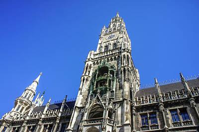 Photograph - Glockenspiel In Munich by Dawn Richards