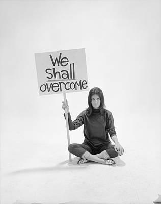 Photograph - Gloria Steinem by Yale Joel