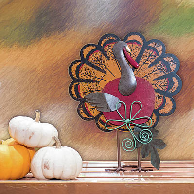 Photograph - Gobble Gobble On The Shelf by Leslie Montgomery