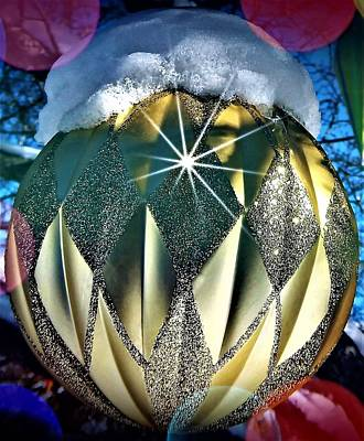 Photograph - Golden Christmas Ball by David Manlove