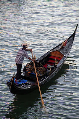 Photograph - Gondolier On The Grand Canal by John Kieffer