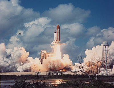 Photograph - Good Of Space Shuttle Discovery Lifting by Time Life Pictures