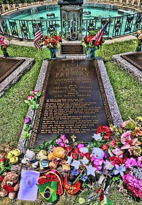 Photograph - Graceland - Elvis Presley's Grave by Allen Beatty
