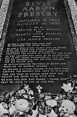 Photograph - Graceland - Elvis Presley's Grave B And W by Allen Beatty
