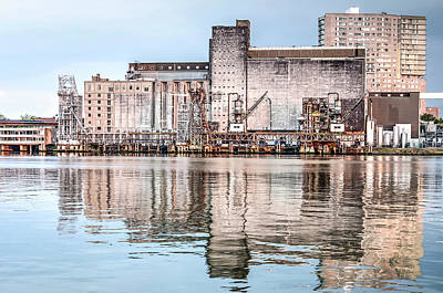 Photograph - Grainsilo Reflected by Frans Blok