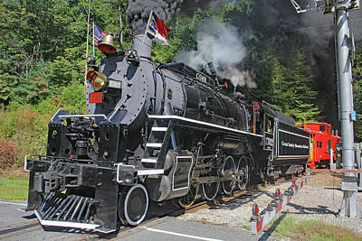 Photograph - Great Smoky Mountains Railroad 9 2 I by Joseph C Hinson Photography