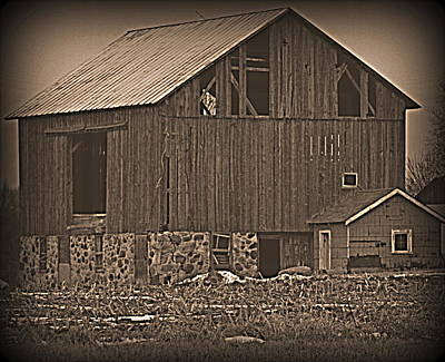 Photograph - Grey Barn by Kimberly Woyak