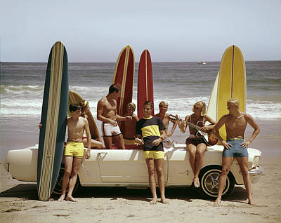 Photograph - Guys And Gals On The Beach by Tom Kelley Archive