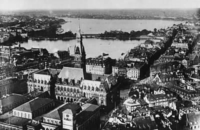 Photograph - Hamburg Rathaus by General Photographic Agency