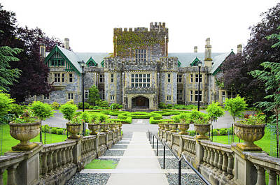 Photograph - Hatley Castle Of Royal Roads University by Gregobagel