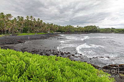 Photograph - Hawaii Black Sand Beach by Jim West