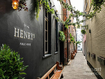 Photograph - Henry's, Belfast by Jim Orr