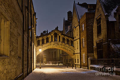 Photograph - Hertford Bridge In The Snow Before Dawn by Tim Gainey