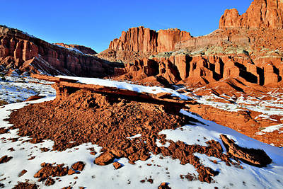 Photograph - Highway 24 View Of Fluted Wall In Capitol Reef Np by Ray Mathis