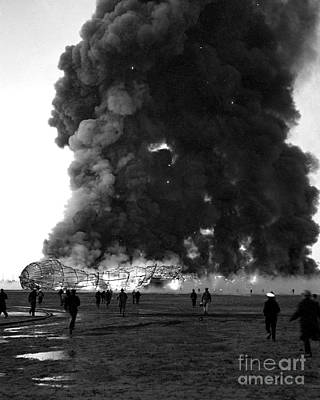 Photograph - Hindenburg by New York Daily News Archive