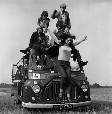 Photograph - Hippies by Evening Standard