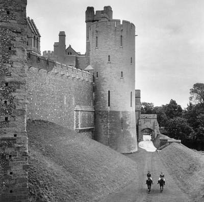 Norfolk Wall Art - Photograph - Home Grounds by Slim Aarons