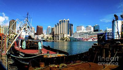 Photograph - Honolulu Harbor - Skyline Oahu Hawaii by D Davila