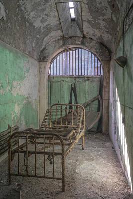 Photograph - Hospital Bed by Tom Singleton